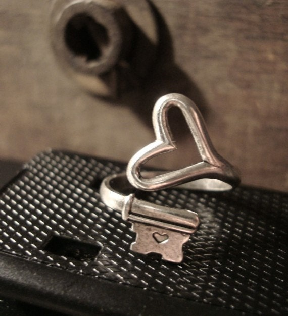 Valentine Ring Special, STEAMPUNK HEART Skeleton Key Ring, Gothic, Sterling Silver Ox Finish