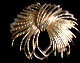 Vintage Large MONET BROOCH - Made in 1963 - Excellent Condition - Monet Copyright