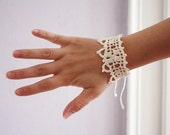 Crocheted bracelet lace cuff - Made from antique 1922 pattern - Off white cotton