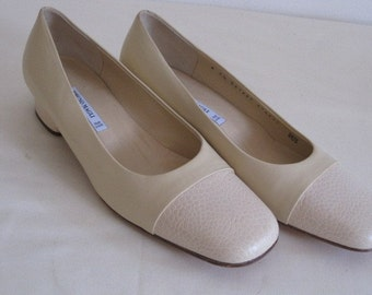 vintage Bone Leather and SKIN Flats by Bruno Magli  size 7 1/2 Medium