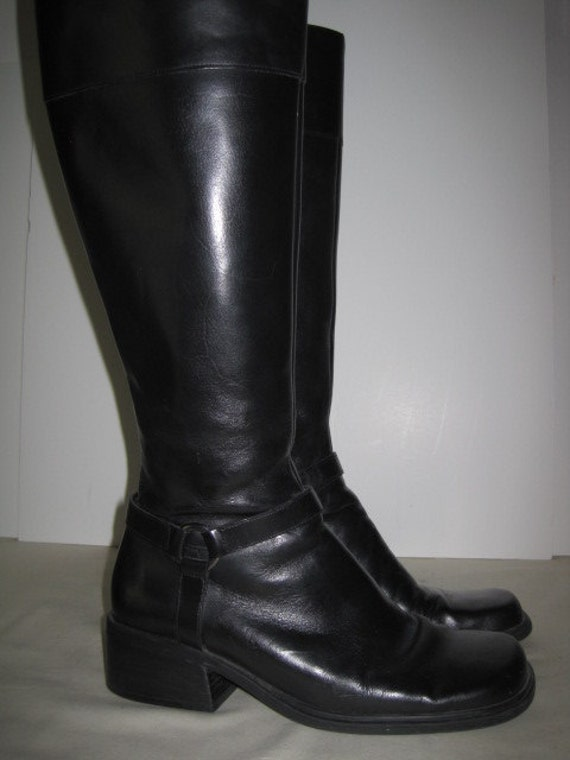 vintage Black Leather Tall Boots by Bandolino size 6 1/2 Medium