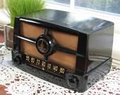 1949 Museum Quality Emerson 587-B AM Tube Radio