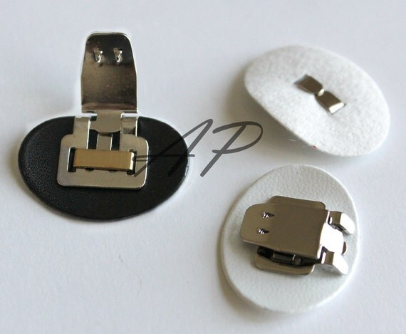 24pcs of Shoe Clip with Synthetic Leather Pad Backing in White and Black (Leather..28mmX22mm)