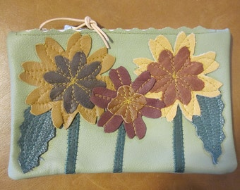Sunflower Pouch in Light Green Leather