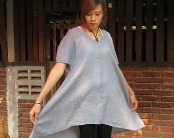 SALE 25 USD--B181--The pleated cotton blouse