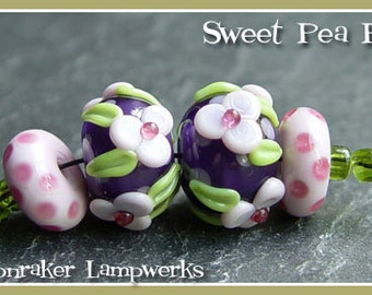 Sweet Pea Floral Pair - Lampwork Beads