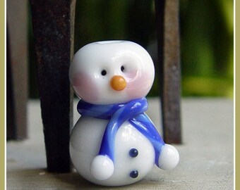 Blue Snowman Holiday Lampwork Bead