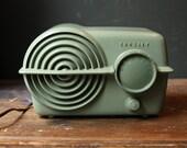 Sweet 1950s Bakelite Radio - Crosley Bullseye