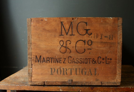 Wooden Crate / Martinez Gassiot Port /  New York Philadelphia