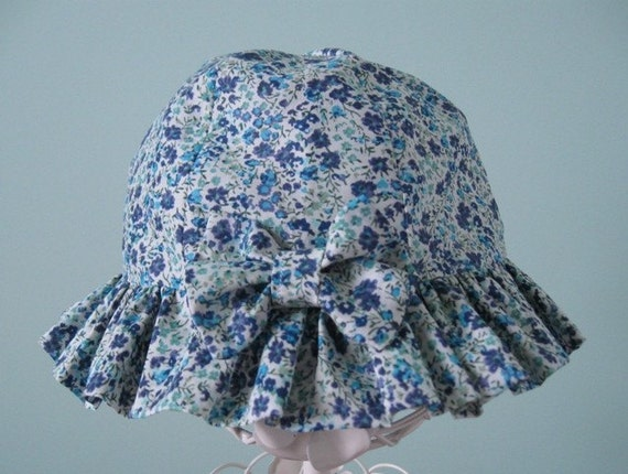 Reserved item for Nadege Gibert.  Pretty liberty lawn flowery sunhat.