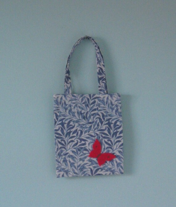Butterfly shopping bag for a little girl