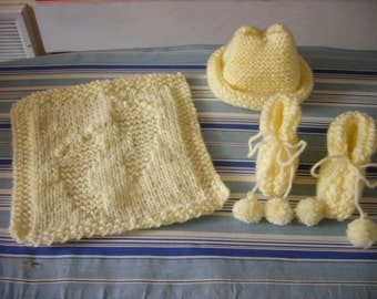 Knit Preemie Baby Set: Hat Booties and Washcloth Vegan