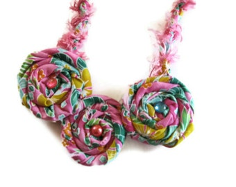 Pink Necklace in tropical print  with rolled roses