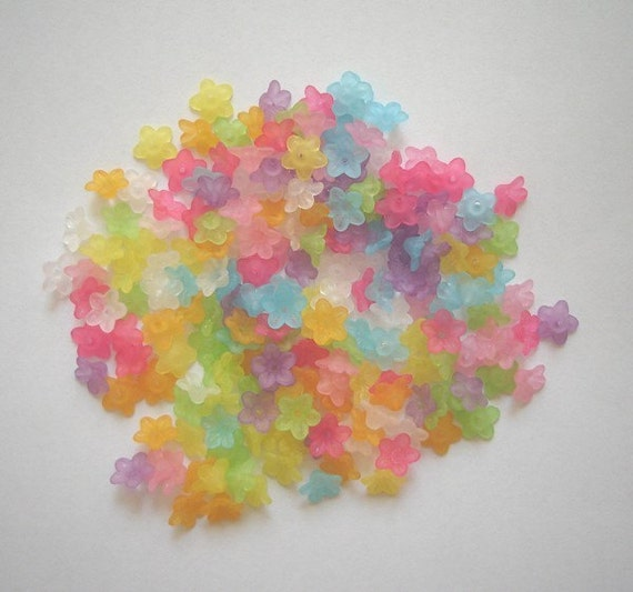 200 Mixed Matte Colours Acrylic Flower Beads
