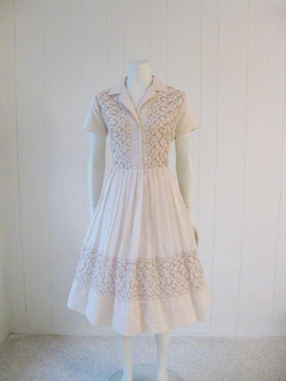 60s shirtwaist EMBROIDERED Cafe Au Lait floral dress size large