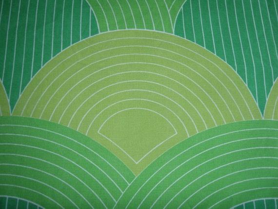 Green Scallops Vintage Vera TWIN FLAT Cutter - Reclaimed Bed Linens