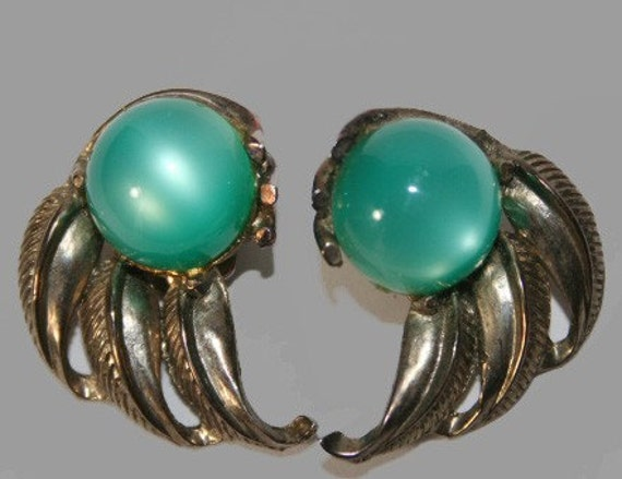 Clip On Earrings Vintage 1960's Silver and Turquoise Lucite