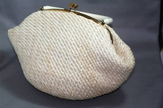 Vintage 1950s Natural White Straw Purse With White Lucite Handle