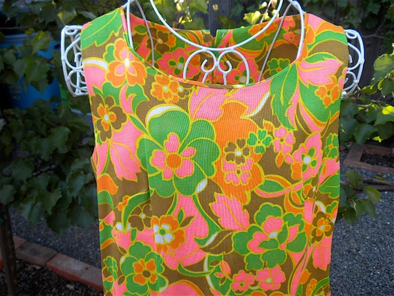 Vintage Summer Dress in Mod Pink and Green Flower Print -  Sleeveless Large