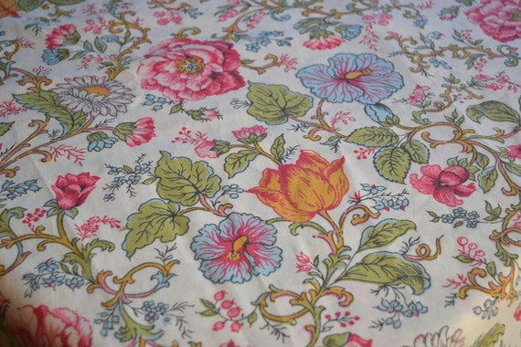 Vintage Bed Sheet - Pink and Orange Vine Flowers - Twin Flat