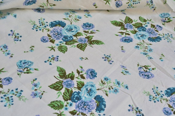 Vintage Fabric - Turquoise and Lavender Cottage Roses - 36 x 36 Cotton