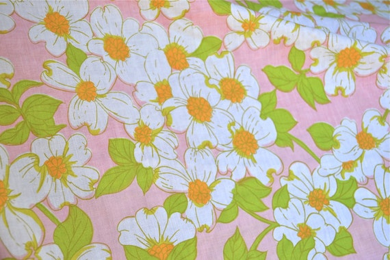 Vintage Bed Sheet - White and Orange Flowers on Pink - Queen Fitted