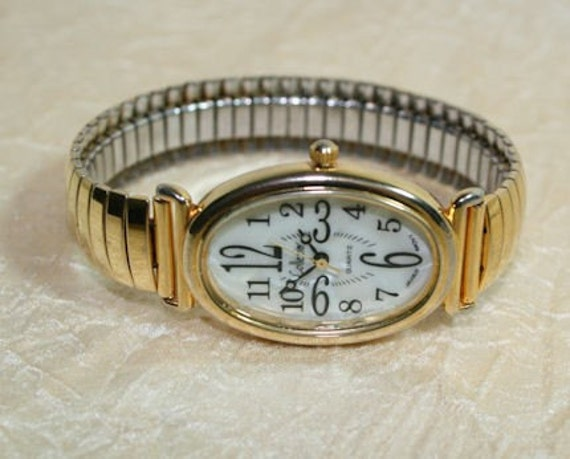 How to replace a watch battery - Watch Repair - YouTube