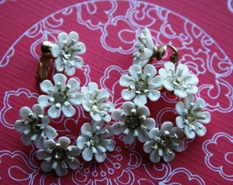 Vintage Garden Wedding  - White floral and clear rhinestone dangle drop Vintage Earrings Pin Up Rockabilly Hollywood Glamour