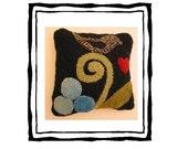 Blackbird and Berries Pin Cushion Pattern