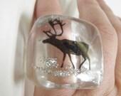 Sz 5.5 Ice Cube Reindeer Resin Ring