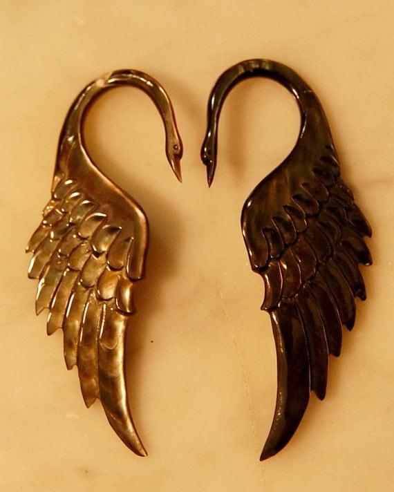 Swan Ear Plug 8 Gauge