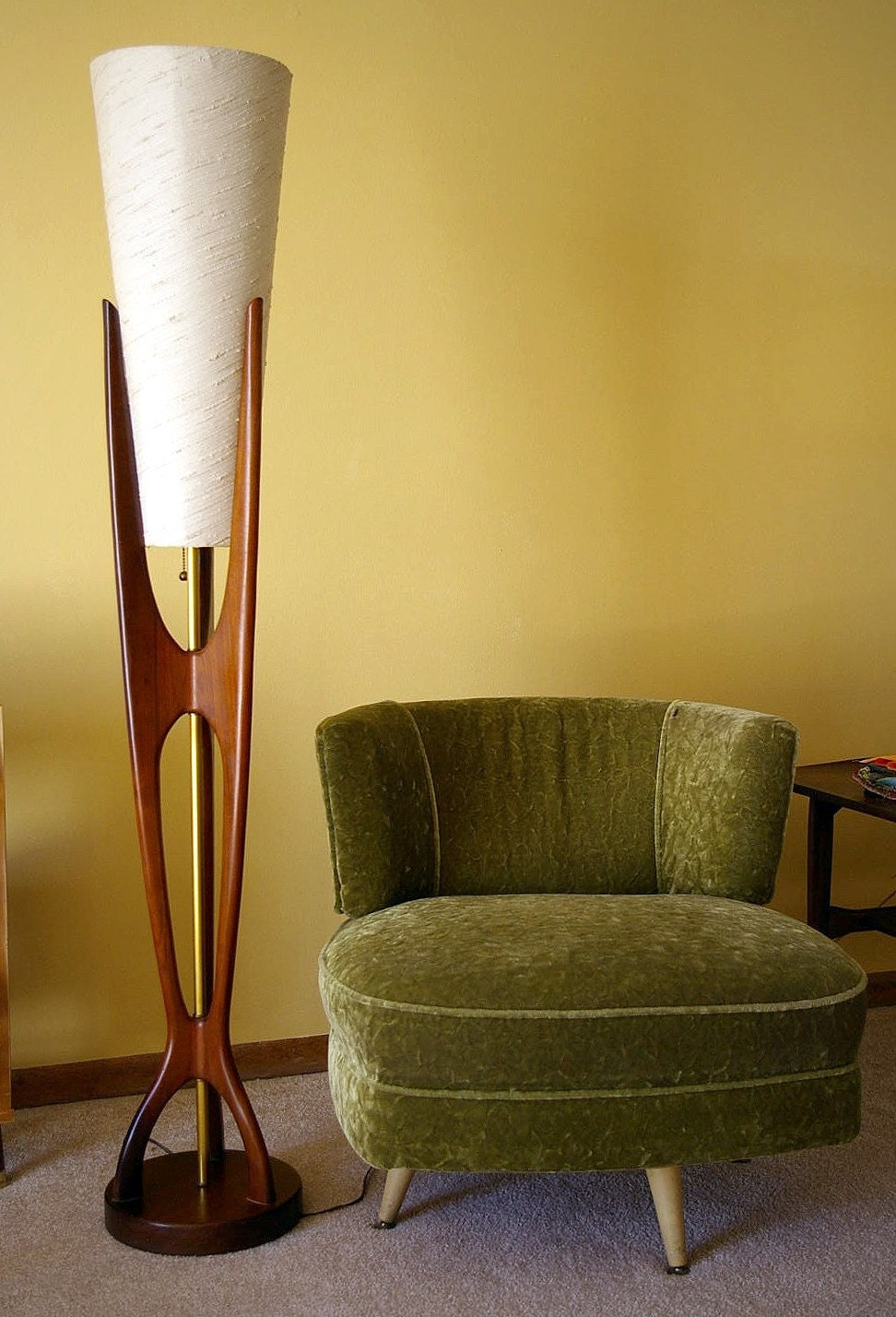 Gorgeous 5 Foot Mid Century Modern Eames Era Floor Lamp By
