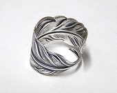 Steampunk ANGEL FEATHER ring, Victorian, Adorable feather wraps around finger, Silver