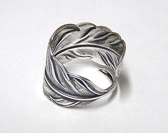 ANGEL FEATHER, Victorian, Adorable feather wraps around finger