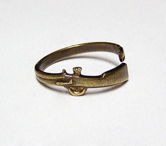 Steampunk SHOT GUN, Attractive little ring wraps around your finger