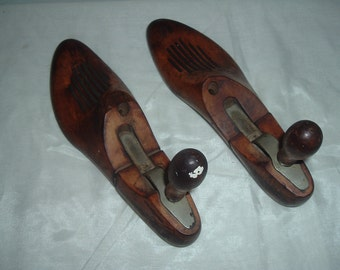 antique woden shoe strechers