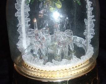 Vintage Wind Up Lighted Music Box with Blown Glass Figures