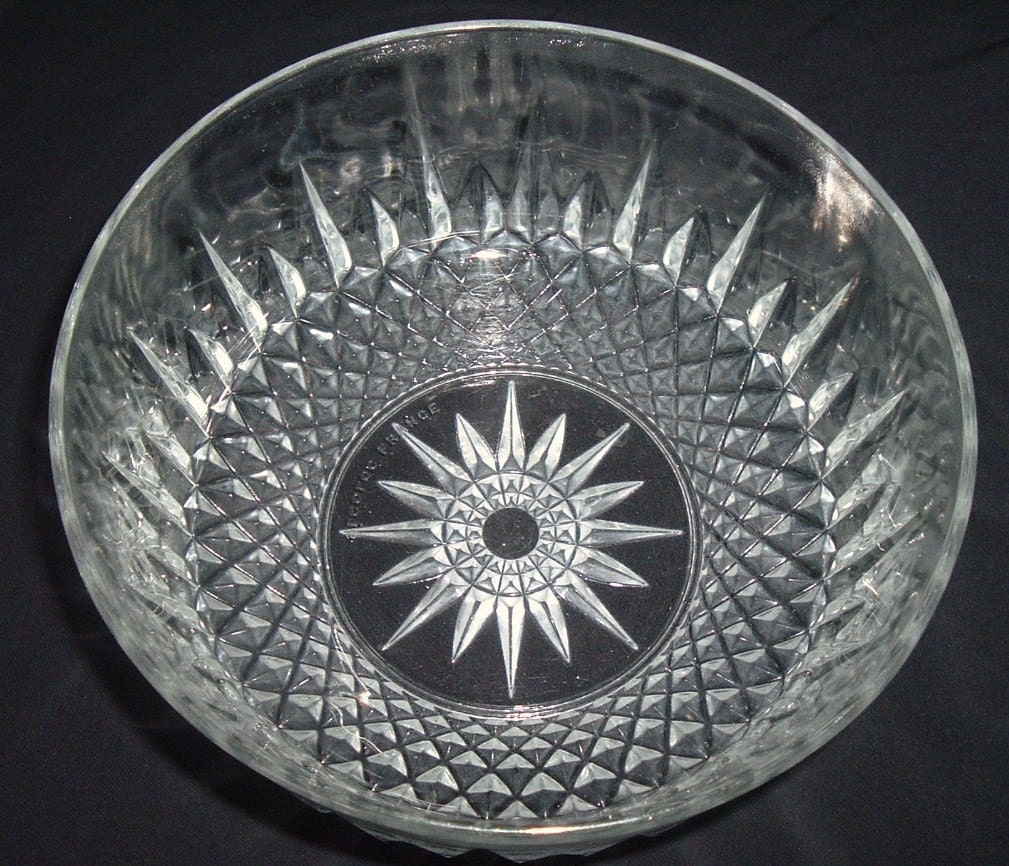 Arcoroc France Durand Diamond Crystal Clear Berry Bowl