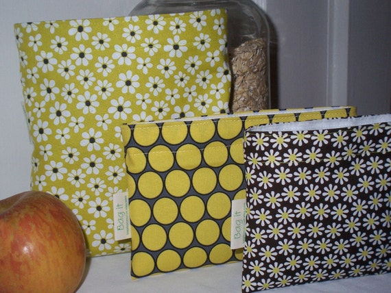 Reusable sandwich and snack bag set - Daisies with snack bag of your choice