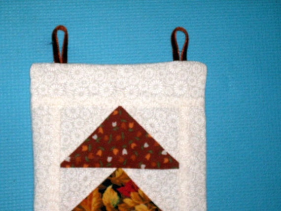 Miniature Quilt FLYING GEESE, 5 x 8 inch, Rust and White, Hand Quilted, US, Traditional, Wall Hanging, Pin Up Quilt, Americana, Decorative,
