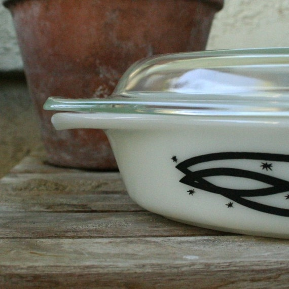 Barbed Wire pyrex divided casserole dish mid century vintage