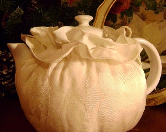 Handmade Reversible Tea cozy of  vintage damask table linen  in VGVC
