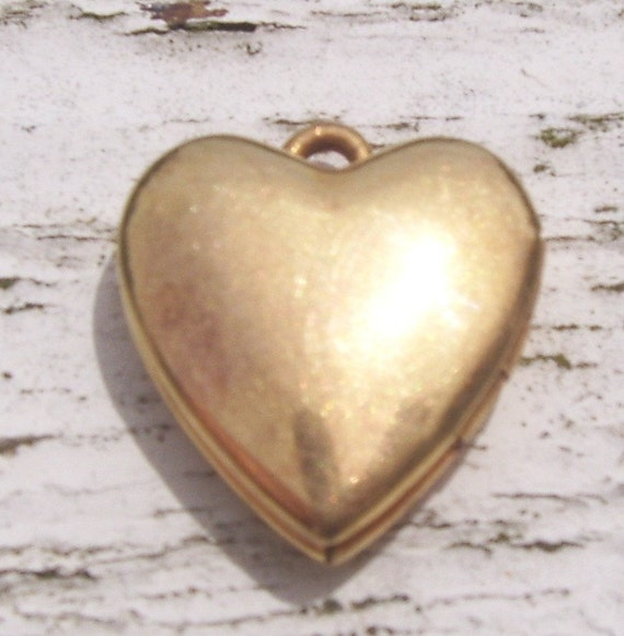 Vintage 1/20 12 Karat Gold S.J. Manufacturing Co. Heart Locket