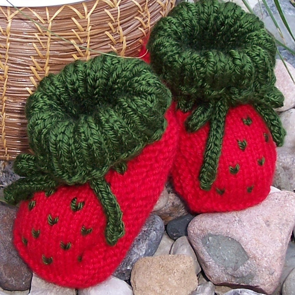Intarsia Knitting Patterns For Children : PATTERN Knit Strawberry Booties