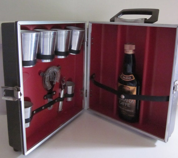 Vintage Portable Bar - RESERVED FOR Shannon Gardiner - Thank you