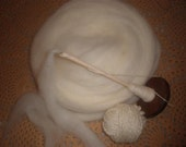 Montadale Roving 6.4 oz Natural Cream Color Less than 2.00 an Ounce