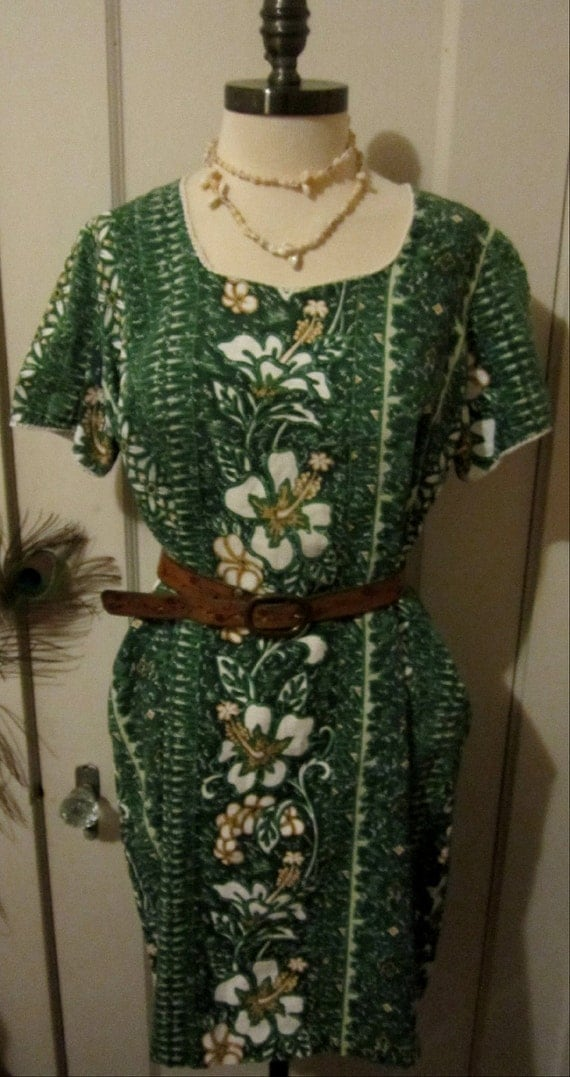 Vintage 1960s Bohemian Hawaiian Peasant Dress Peasant Top Green Floral Halloween Costume
