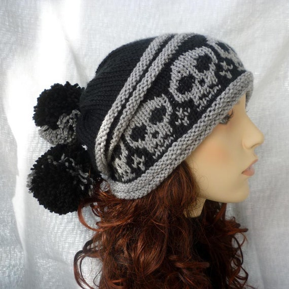 Pom-pom slouchy hat with skulls in black and gray