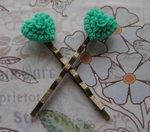 SWEET HEART - VINTAGE BRASS BOBBIE PINS WITH  TURQUOISE BLUE/GREEN FLORAL HEART