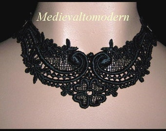Choker in Jet Black Elegant Intricate Venise Victorian Gothic Necklace Runway Modern Art